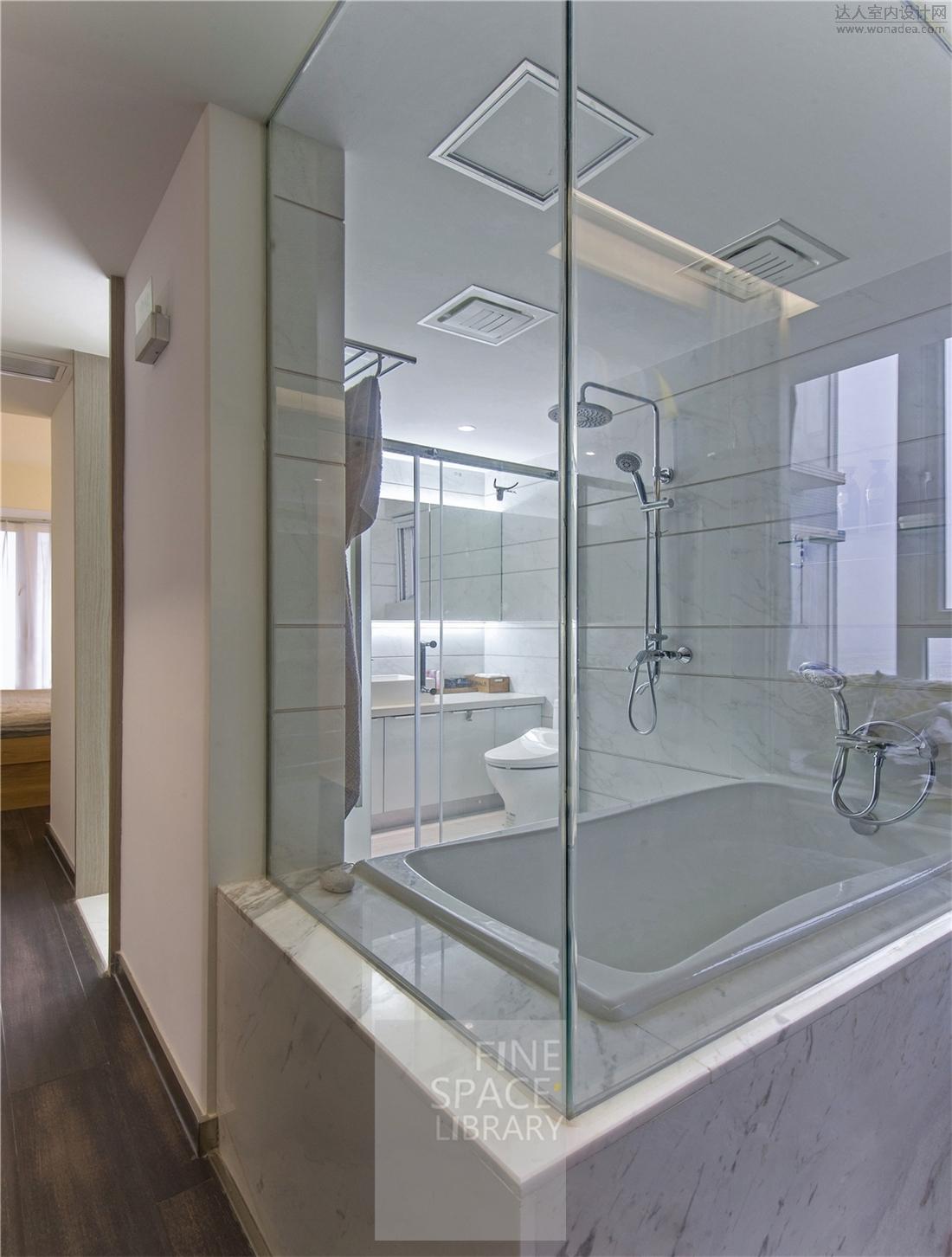 DSC_4099 十分明快与洁净的卫浴区.jpg