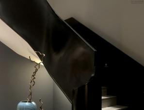 【本空设计】这个家拥有一个电梯,两个楼梯