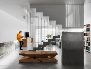 Bálint Jaksa--设计师的Loft公寓设计