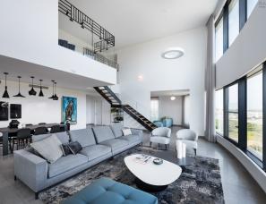 michal han--现代风复式海景公寓250㎡