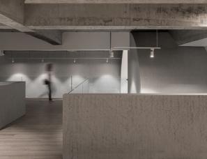 VARY几里设计--一起一起·闪银盒子青年旅舍