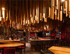 JEAN DE LESSARD — DESIGNERS CRÉATIFS--Gaoadara酒吧