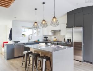 SEED Architecture + Interiors--温哥华 三代同堂·现代家庭别墅