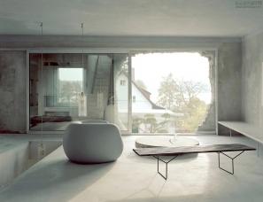 Arno Brandlhuber--废弃 60 年的厂房,也能爆改成这么惬意的家