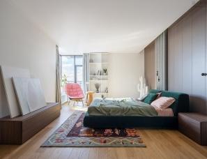 Bogdanova Bureau--合并两间公寓,把家变成孩子的游乐场
