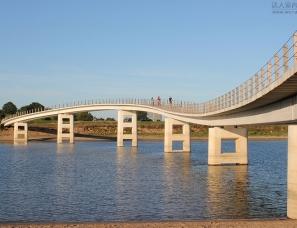 NEXT建筑设计--钢琴桥