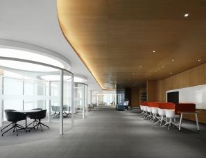 于强设计   深圳启迪协信科技园:打破边界的众创办公空间